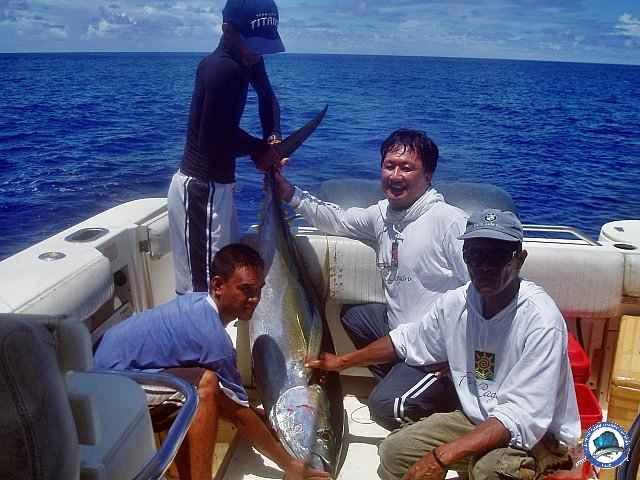 calayan island fishing 1010088.jpg