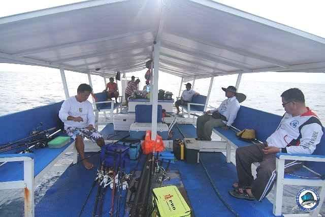 ambil batangas fishing_2297537_n.jpg
