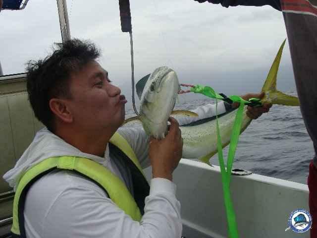laiya batangas fishing 00886.jpg