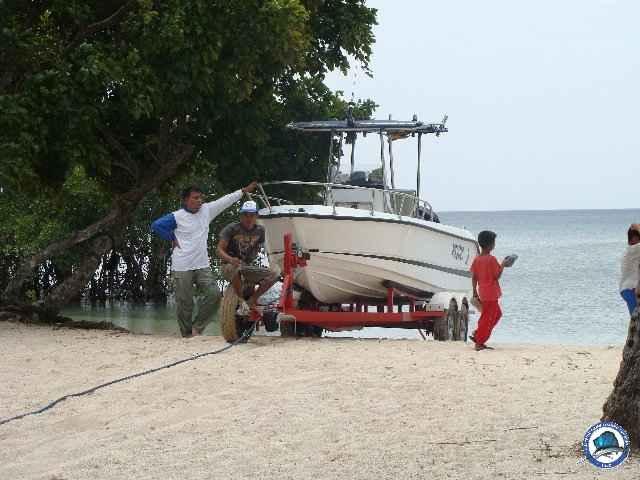 laiya batangas fishing 00892.jpg