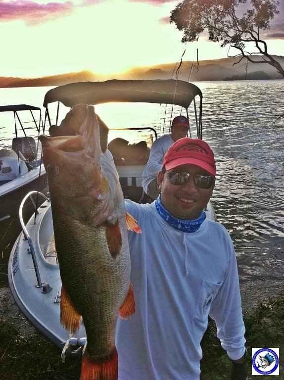 philippine bass fishing 01983.jpg